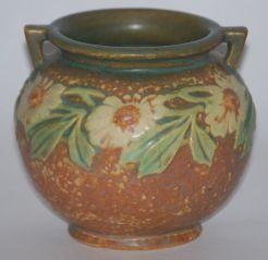 d9c0b80d63b2a538e25114bae36409cc--roseville-pottery-pottery-art